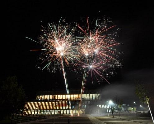 Geburtstagsfeuerwerk an der Stadthalle Reutlingen Bombettenbatterien