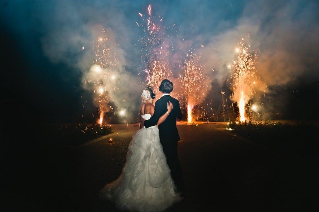 Leises Feuerwerk zur Hochzeit auf der Insel Mainau Brautpaar und Fontänen