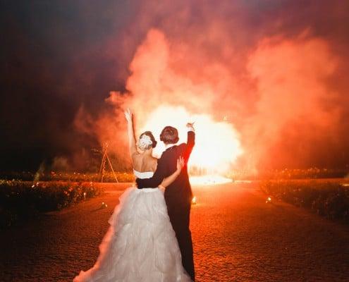Leises Feuerwerk zur Hochzeit auf der Insel Mainau Brautpaar und Lichterbild