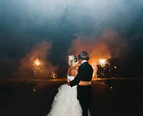 Leises Feuerwerk zur Hochzeit auf der Insel Mainau Brautpaar und Goldsonnen
