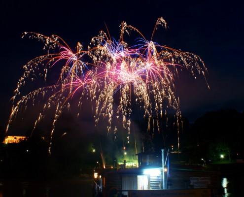 Lichterwerk Feuerwerk Stuttgart Feuerwerk zum Firmenjubiläum am Neckarkäptn Blinkbombetten