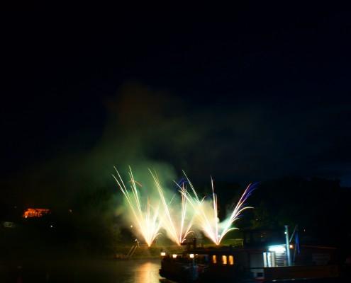 Lichterwerk Feuerwerk Stuttgart Feuerwerk zum Firmenjubiläum am Neckarkäptn Kometenfächer