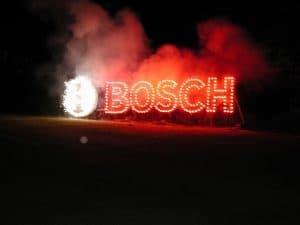 Lichterwerk Feuerwerke leises Feuerwerk Lichterbild Bosch Logo frontal klein