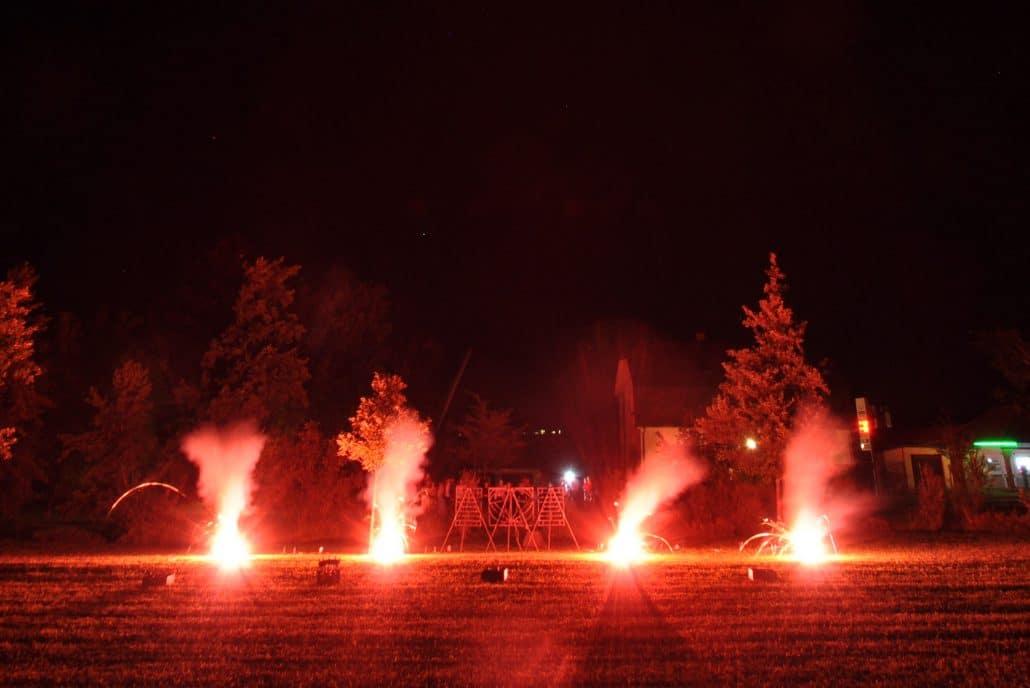 Leises Barock Feuerwerk, Bengalisches Feuer in Rot